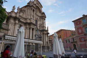Reserva ya tu visita guiada Murcia Capital Gastronómica 2020 y disfruta de las tapas y los platos más importantes de Murcia