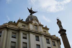 """Reserva ya tu visitas guiada """"Escultura urbana"""" donde conocerás las principales esculturas, palacios y monumentos de Murcia."""