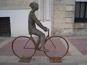 """Las esculturas de Campillo, principal atractivo de la ruta guiada por Murcia """"Esculturas urbanas"""""""