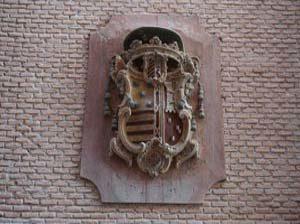Escudos nobiliarios a estudio en nuestra visita guiada por el centro de Murcia